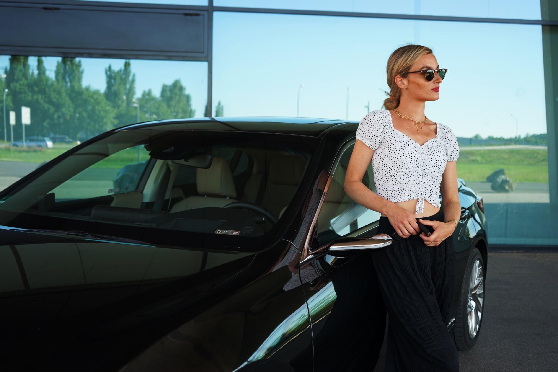 """Lexus ES 300h """"Luxury Line"""" 2020"""